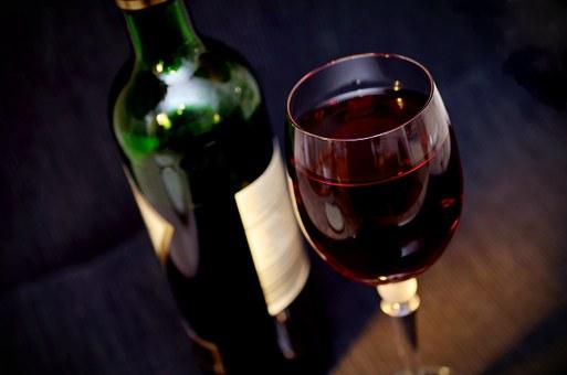 Jak stworzyć odpowiednie warunki dla wina?