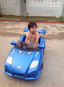 Samochody na pedały dla dzieci