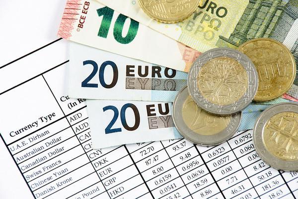 Czy warto porównać kursy walut?