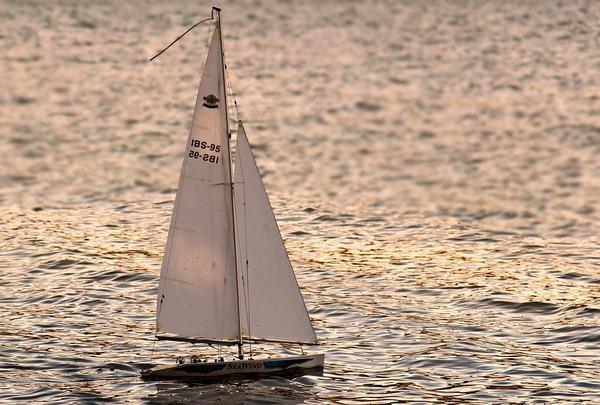 Jacht bez uprawnień, a czarter na Mazurach