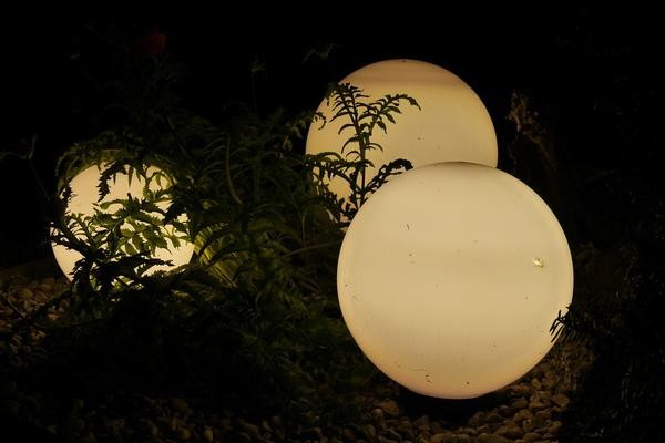 Oświetlamy nasze ogrody
