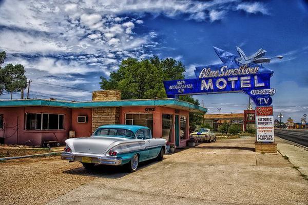 W długiej trasie przenocuj w motelu